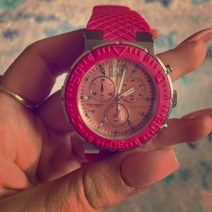 Hot pink diving invicta watch